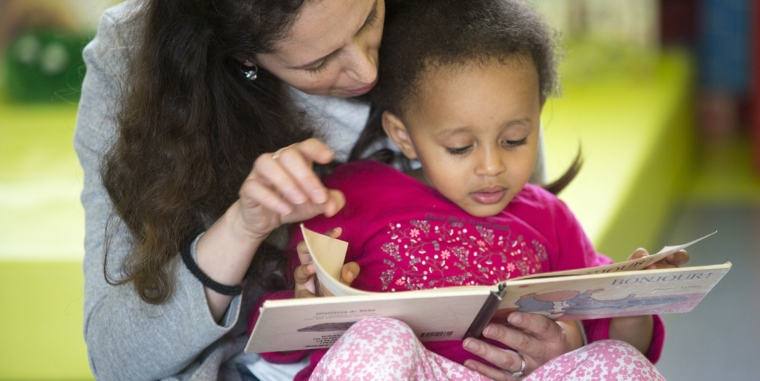 Lire individuellement à chaque enfant